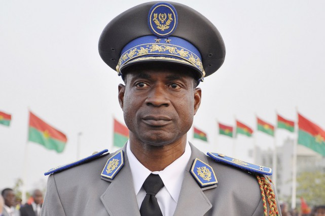 Fidèle parmi les fidèles, le général Diendéré avait... (PHOTO AHMED OUOBA, ARCHIVES AFP)