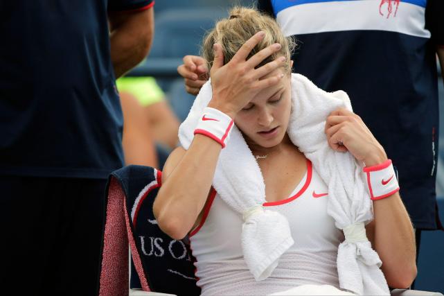 Eugenie Bouchardn'est toujours pas rétablie de la commotion... (Photo Charles Krupa, AP)