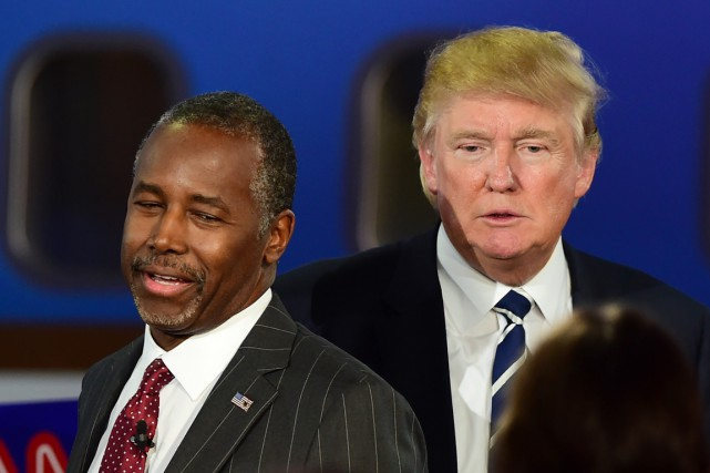 Ben Carson et Donald Trump durant le second... (PHOTO FREDERIC J. BROWN, ARCHIVES AFP)