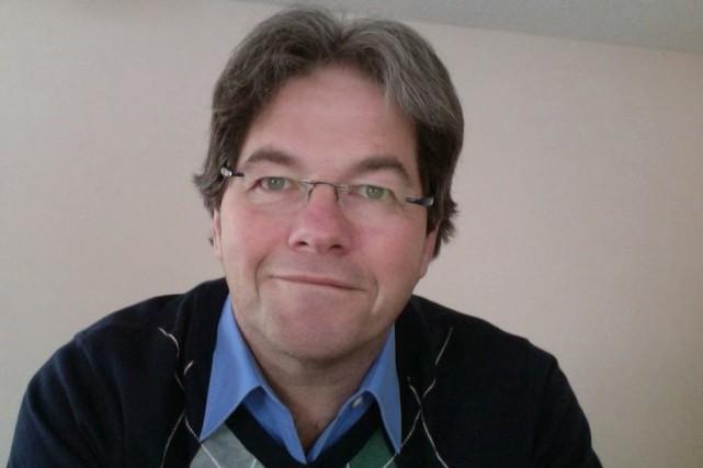 Le professeur Marc-François Bernier (Ph. D.), Spécialiste de... ((Courtoisie))