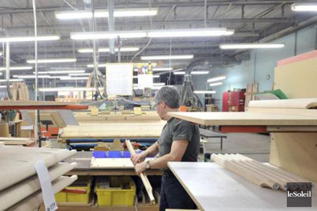 L'usine d'Industries A.P., à Laurier-Station.... (PHOTOTHÈQUE LE SOLEIL)