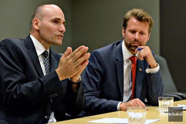 Les candidats libéraux Jean-Yves Duclos et Youri Rousseau... (Le Soleil, Patrice Laroche)