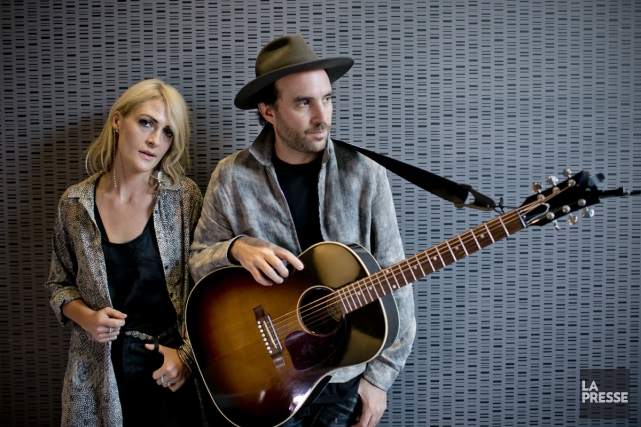 La chanteuse et le guitariste du groupe torontois... (PHOTO DAVID BOILY, LA PRESSE)