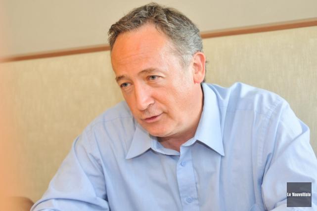 Yves Perron souhaite un réinvestissement du gouvernement fédéral... (Photo: Émilie O'Connor, Le Nouvelliste)