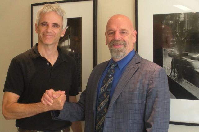 Le président-directeur général d'EFFENCO, Colin Ryan, et le...
