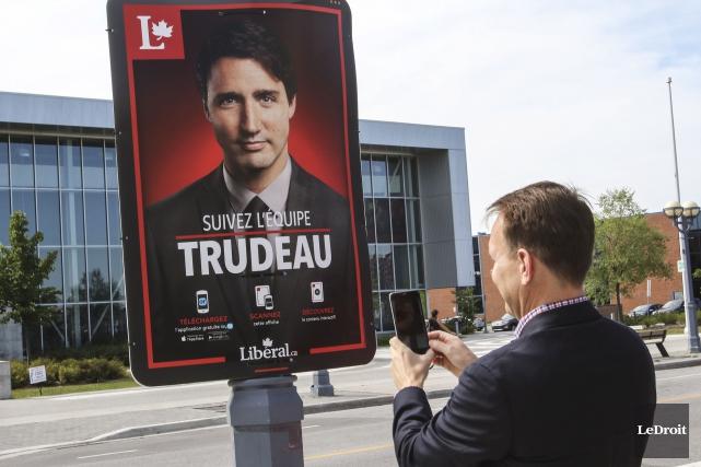 Le candidat libéral dans Gatineau, Steven MacKinnon, lors... (Patrick Woodbury, Archives LeDroit)