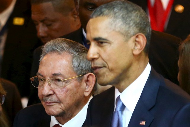 Les présidents cubain Raul Castro et américain Barack... (Photo d'archives Reuters)
