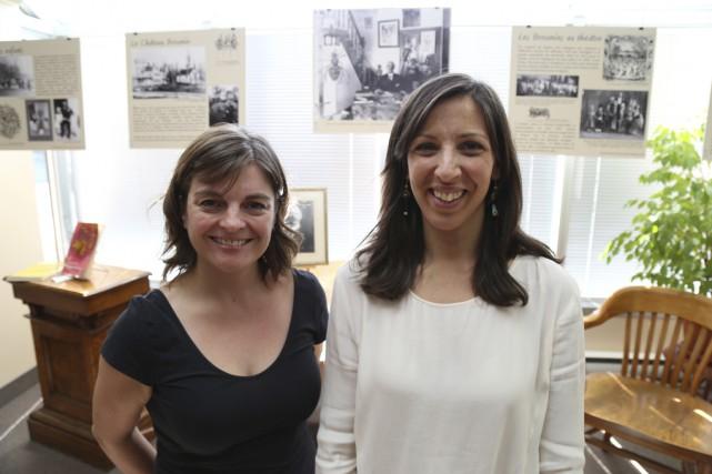 Marie-Christine Bonneau et Cecilia Capocchi devant quelques pièces... (photo Janick Marois)
