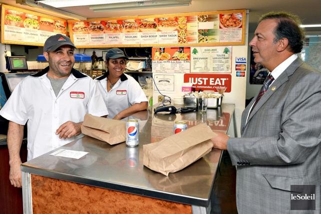 Sam Hamad donne l'exemple du restaurateur Jamal Khalil,... (Le Soleil, Patrice Laroche)