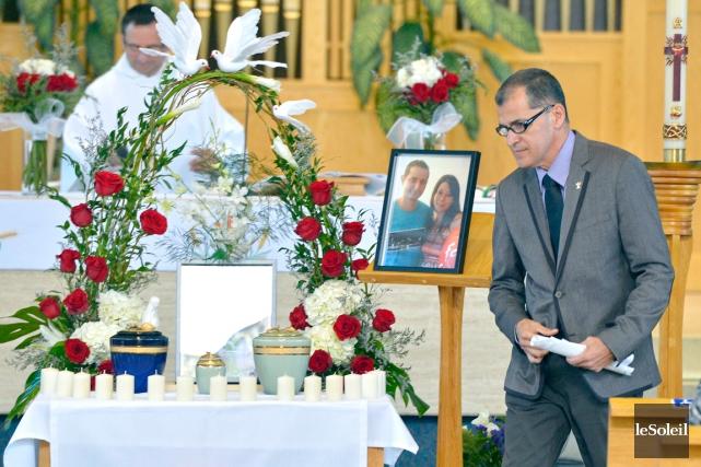 La cérémonie religieuse du couple colombien décédé lors... (Le Soleil, Yan Doublet)