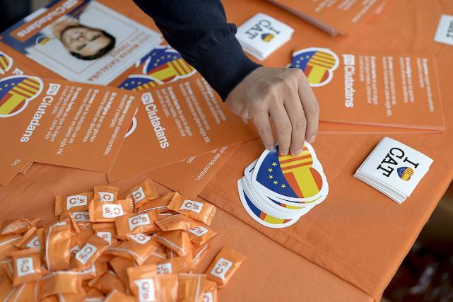Les sondages réalisés après une gigantesque manifestation indépendantiste... (PHOTO JOSEP LAGO, AFP)
