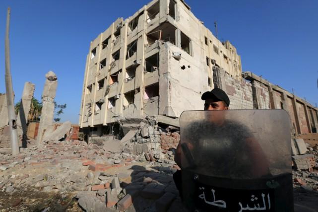 Le groupe djihadiste État islamique (EI) a revendiqué l'explosion qui a blessé... (PHOTO REUTERS)