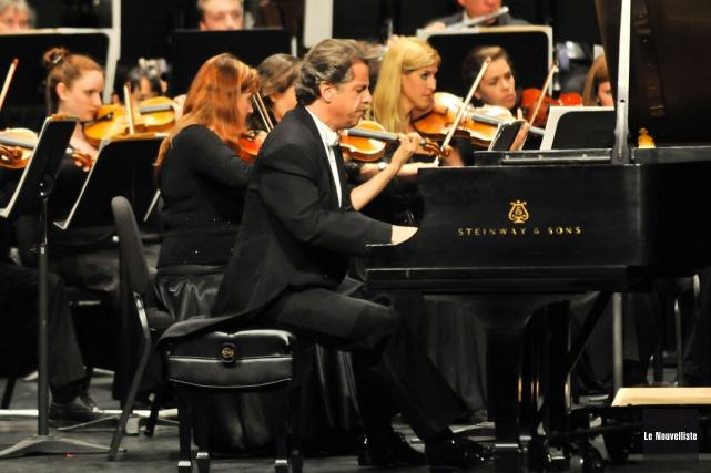 Le pianiste Alain Lefèvre a épaté le public... (Photo: Émilie O'Connor, Le Nouvelliste)
