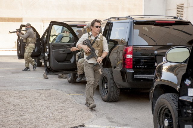 Au lendemain de la performance exceptionnelle de Sicario au box-office... (PHOTO FOURNIE PAR LIONSGATE)