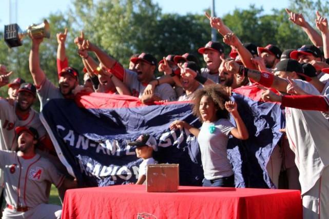 Les Aigles sont devenus la deuxième équipe québécoise... (Courtoisie de Jakub Deptula)