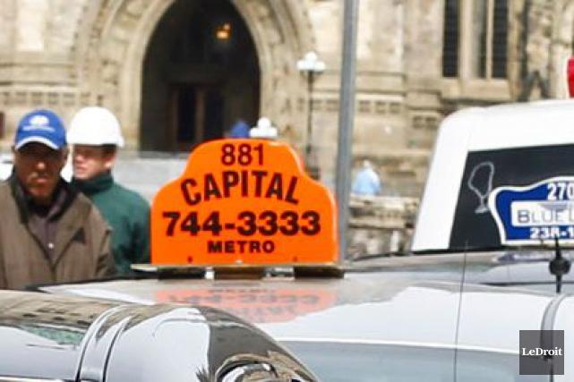 Pour une deuxième fois en autant de semaines, les chauffeurs de Capital Taxi... (Patrick Woodbury, Archives LeDroit)