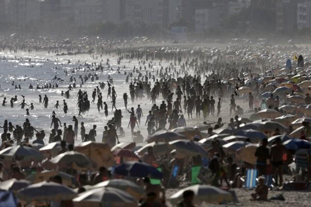 Ipanema a été au nombre des plages visitées... (PHOTO RICARDO MORAES, ARCHIVES REUTERS)