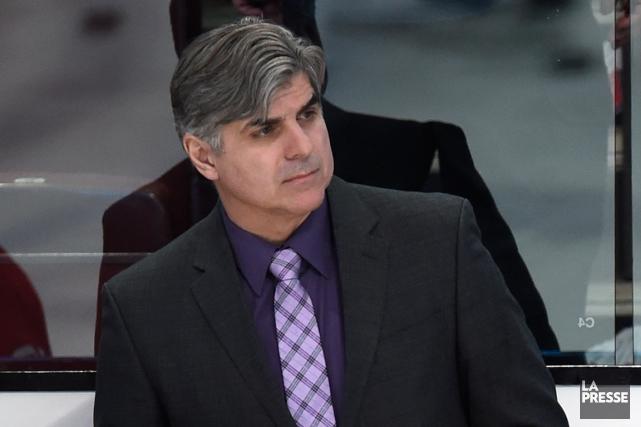 L'entraîneur-adjoint du Canadien Jean-Jacques Daigneaulta fait l'éloge de... (Photo Bernard Brault, archives La Presse)