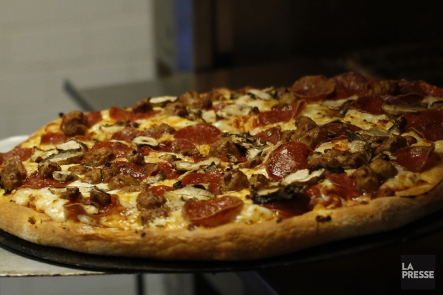La chaîne canadienne Pizza Pizza a déposé une poursuite contre la Ville de... (Photo d'archives, La Presse)