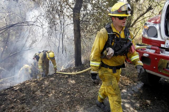 Les immenses feux qui ravagent le nord de la Californie ont fait une nouvelle... (PHOTO AP)