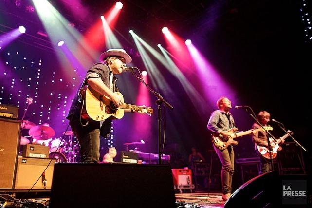 Le groupe américain Wilco a offert un spectacle... (PHOTO ANDRÉ PICHETTE, LA PRESSE)