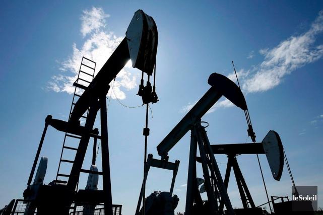 Le prix du pétrole réduit de façon prononcée... (Photothèque Le Soleil)