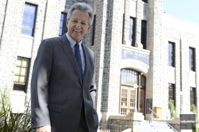 Le maire Jean Tremblay est en paix avec... ((Photo Le Quotidien, Jeannot Lévesque))