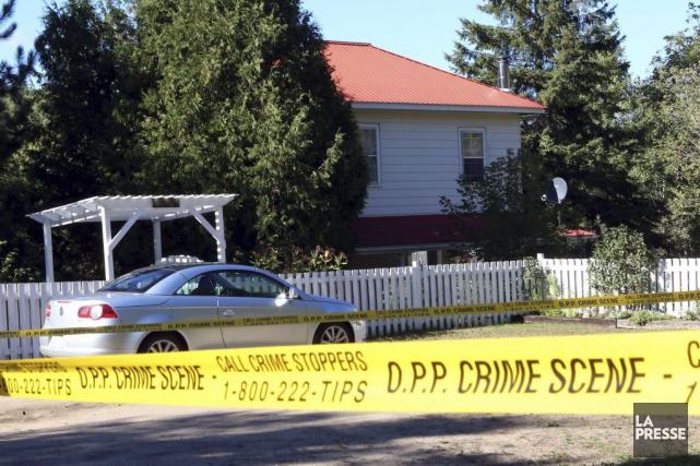 Deux victimes ont été tuées près du village... (Fred Chartrand, La Presse Canadienne)