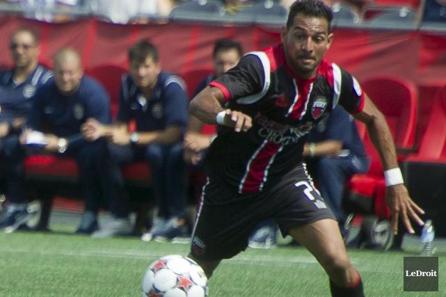 Paulo Junior a marqué deux buts pour le... (Martin Roy, Archives LeDroit)