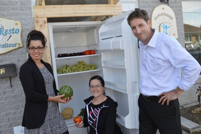Les «frigos anti-gaspi» de l'Escouade anti-gaspillage alimentaire font leur... (Benoit Sabourin, LeDroit)