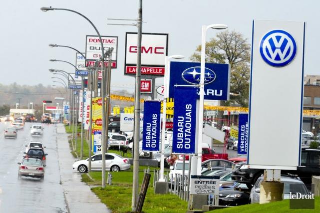 Pour la première fois, plus d'un million de véhicules automobiles neufs ont été... (Photo Martin Roy, archives Le Droit)