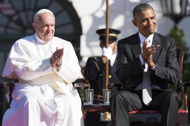 Depuis les pelouses de la Maison-Blanche, sous un... (PHOTO AFP)