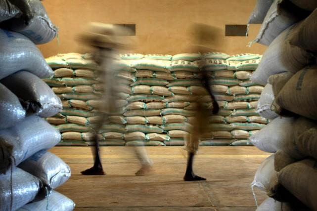 Pour passer de la cocaïne d'Amérique du Sud en Afrique, des trafiquants... (ARCHIVES REUTERS)