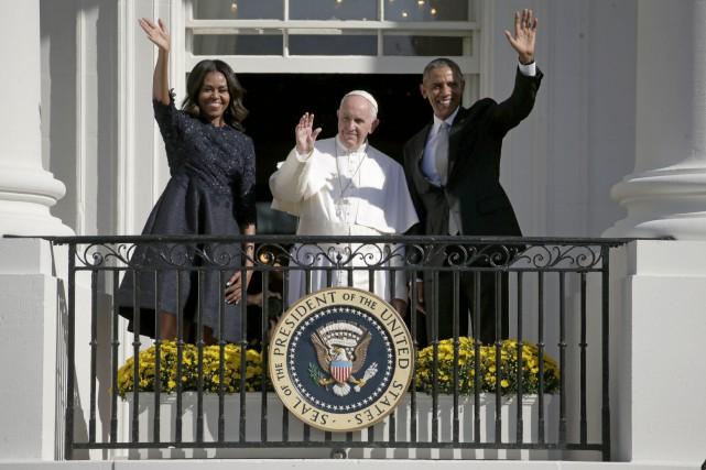 Michelle et Barack Obama ont reçu le pape... (AP, Andrew Harnik)