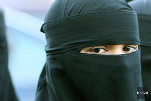 Faire du niqab un thème électoral est une... (Photothèque Le Soleil)