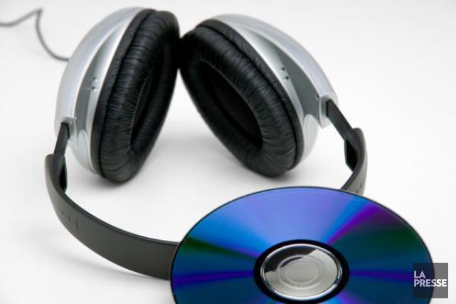 Les ventes de CD aux États-Unis ont baissé de près d'un tiers durant les six... (Photothèque, La Presse)