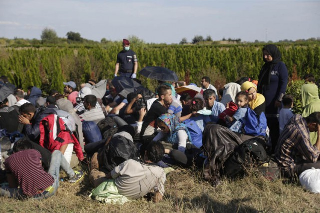 Des milliers de personnes cherchant l'asile en Europe... (PHOTO REUTERS)