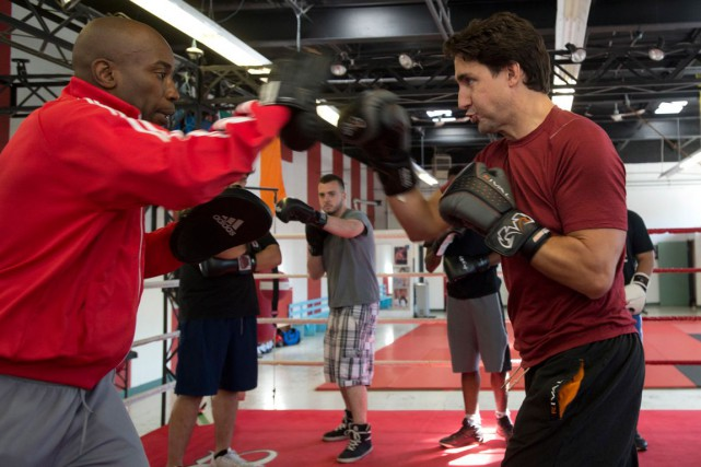 Justin Trudeau a rendu visite, mercredi, à son... (La Presse Canadienne, Adrian Wyld)