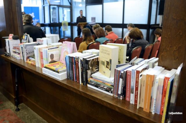Les auteurs originaires du Saguenay-Lac-Saint-Jean ont publié 120... (Photo Le Quotidien, Jeannot Lévesque)