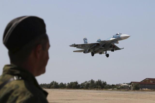 Au moins 28 avions de combat russes ont... (ARCHIVES REUTERS)