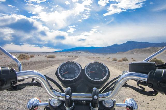 Une moto confortable, pas trop grosse, navigue avec... (PHOTO CHARLES-ÉDOUARD CARRIER, COLLABORATION SPÉCIALE)