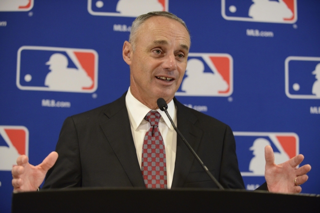 Le commissaire du Baseball majeur, Rob Manfred.... (Photo Paul Beaty, archives AP)