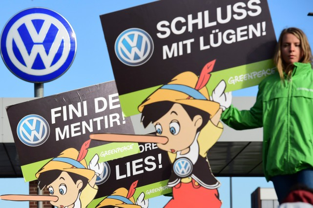 La réputation de Volkswagen a été mise à... (AFP, JOHN MACDOUGALL)