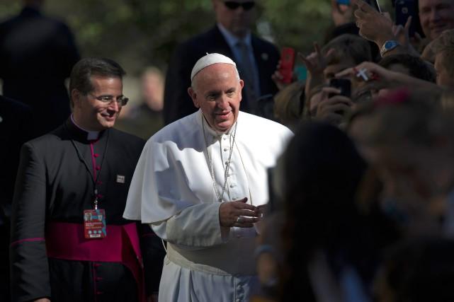 Le pape François est actuellement en visite officielle... (photoCliff Owen, associated press)