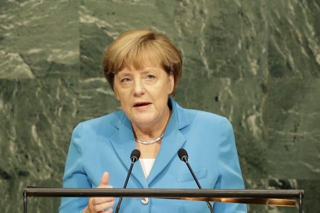 La chancelière allemande Angela Merkel a prononcé un... (PHOTO SETH WENIG, AP)