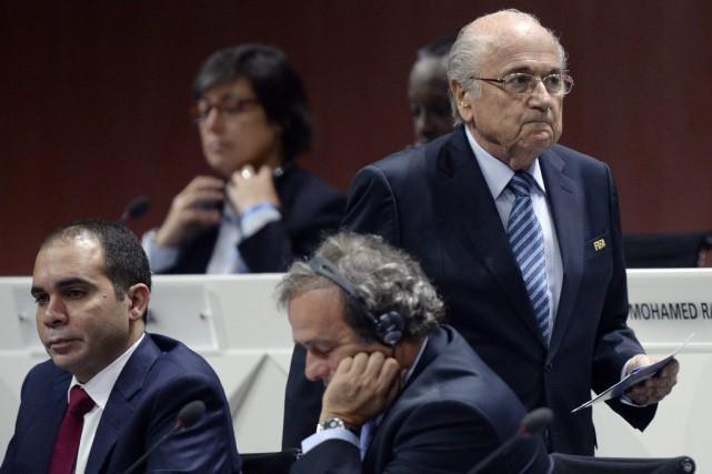 Le prince Ali (gauche) est le principal adversaire... (Photo Walter Bieri, AP)