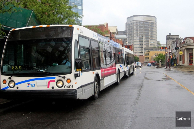 Les autobus qui circulent entre 9h et 16h, ainsi qu'en soirée sont presque... (Patrick Woodbury, Archives LeDroit)