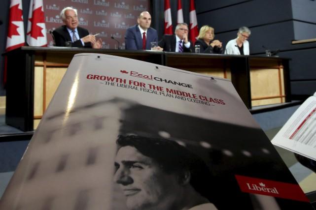 Les libéraux ont dévoilé samedi le cadre budgétaire... (Fred Chartrand, La Presse Canadienne)