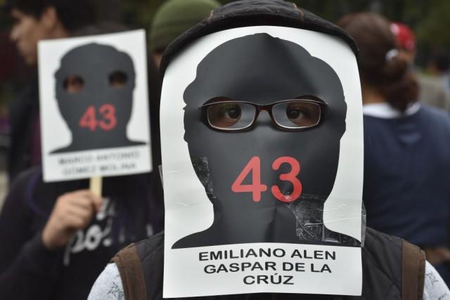 Les manifestants ont défilé dans les rues de... (PHOTO YURI CORTEZ, AFP)