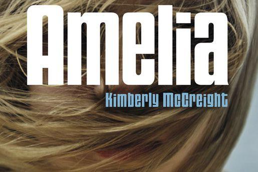 Amelia a 15 ans, une meilleure amie et une mère avocate hyper occupée qu'elle...